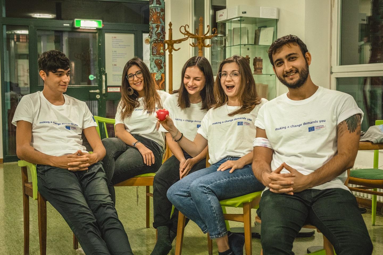 Vidám fiatalok csoportja - szolidaritási projekt